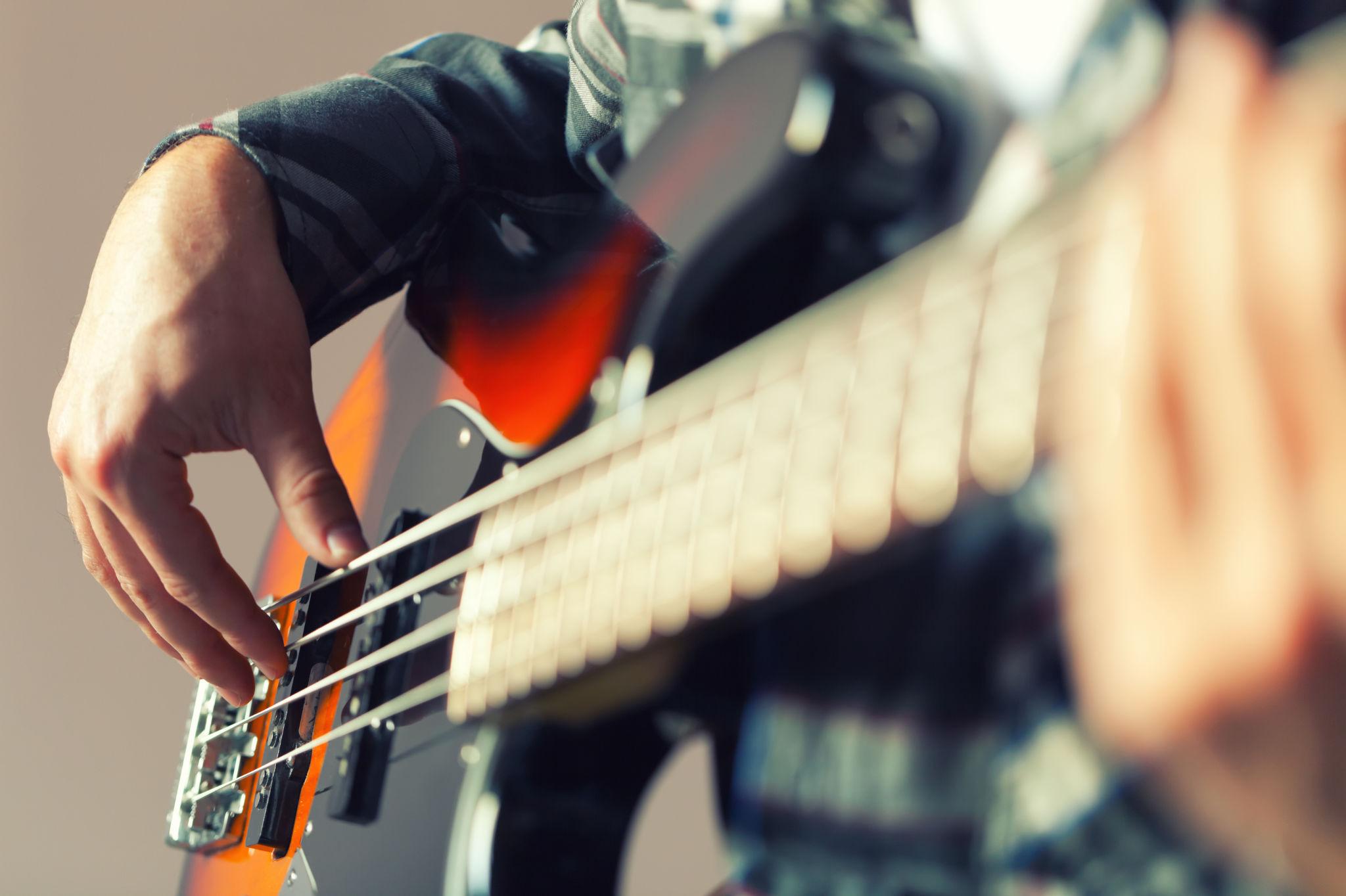 Lerne E-Bass